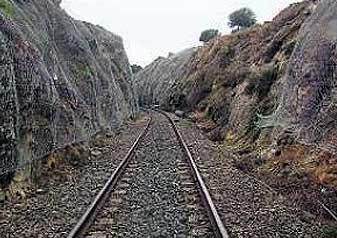 Obras en la vía férrea entre Fregenal y Jabugo